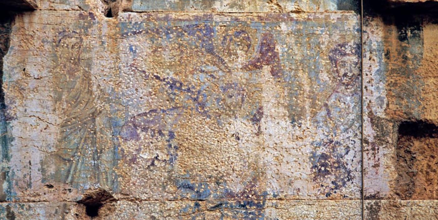 Vestiges de la grande scène figurative chrétienne sur le mur intérieur ouest du temple de Bel (photo A. Schmidt-Colinet, in JASTRZEBOWSKA 2013, fig. 7).