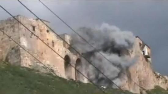 «Dommage collatéral» à Qalaat el-Mudiq (15 mars 2012)