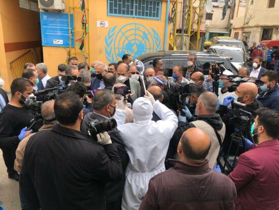 Visite de la délégation officielle de l'ambassade de Palestine au Liban et du ministre de la Santé libanais au camp al-Jalil dans la Beqaa.